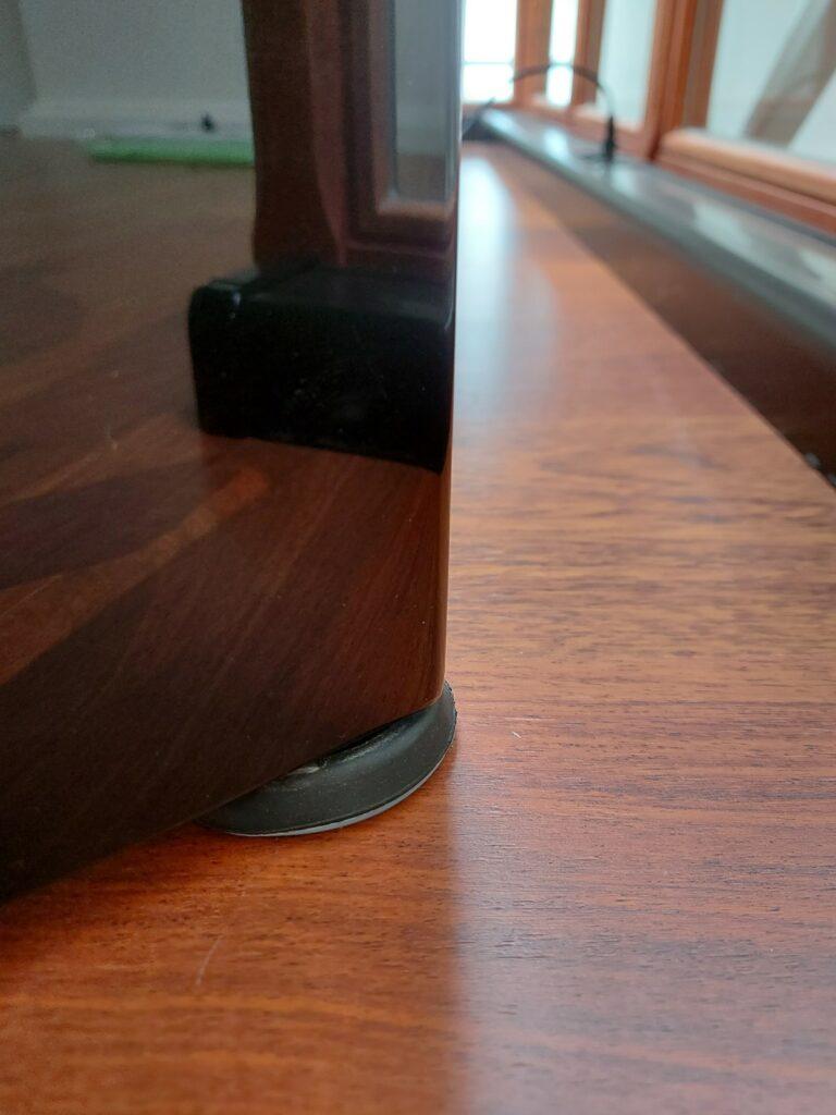 Teflon sokkels voor een digitale piano zonder wielen